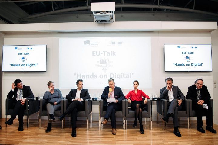 2_eu-talk_podium